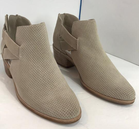 Dolce Vita beige Boots Image 2