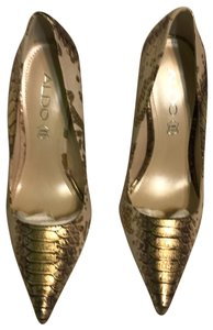 ALDO pale pink and antique gold Pumps