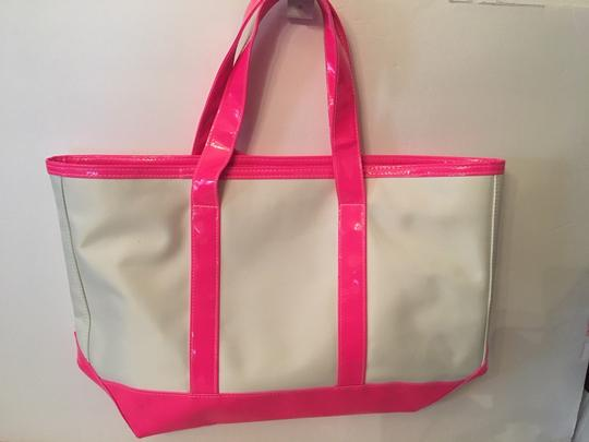 Juicy Couture 302626035055 Handbag Shopper Tote in Whte and Pink Image 4