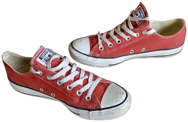 Item - Red Chuck Taylor Low Tops Sneakers Size US 9 Regular (M, B)