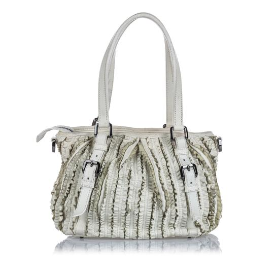 Burberry 9gbust017 Vintage Leather Satchel in White Image 2