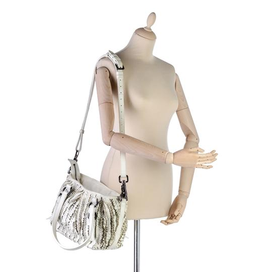 Burberry 9gbust017 Vintage Leather Satchel in White Image 7