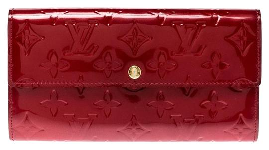 Preload https://img-static.tradesy.com/item/25963345/louis-vuitton-red-pomme-d-amour-monogram-vernis-sarah-continental-wallet-0-2-540-540.jpg