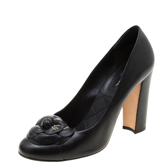 Chanel Leather Black Pumps Image 4