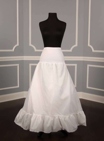 Preload https://item4.tradesy.com/images/white-aline-style-slip-petticoat-size-small-259648-0-0.jpg?width=440&height=440