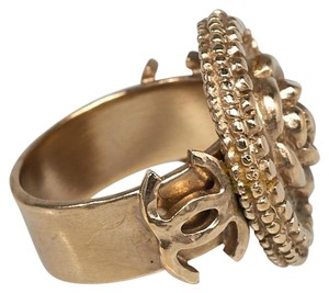 Chanel Gold-tone Chanel Interlocking CC Camellia embellished cocktail ring