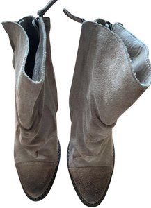 "Sbicca Suede Zipper Closures 3 3/4"" Chunky Heel No Box Excellent Condition Tan Distressed Boots"