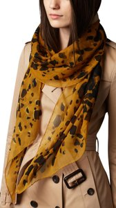 Burberry NEW ANIMAL-PRINT SILK GEORGETTE XL Amber Yellow SCARF WRAP Italy