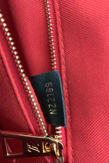 Louis Vuitton Tote Image 11