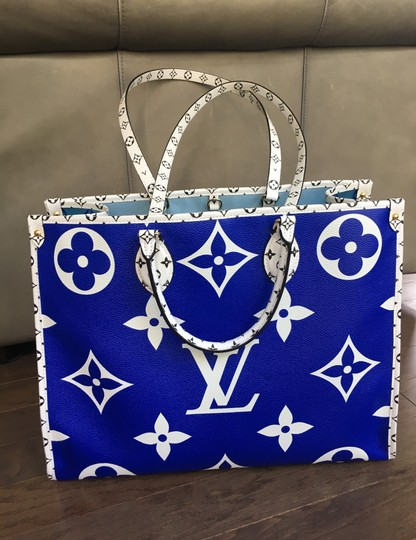 Louis Vuitton Tote in Blue Image 2