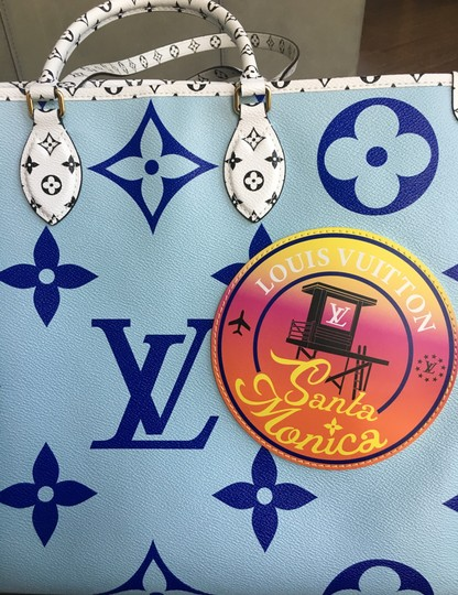 Louis Vuitton Tote in Blue Image 4