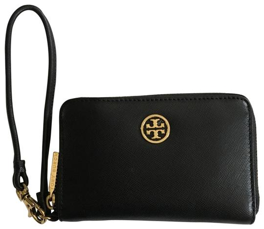 Preload https://img-static.tradesy.com/item/25965733/tory-burch-robinson-wristletwallet-black-saffiano-leather-wristlet-0-3-540-540.jpg