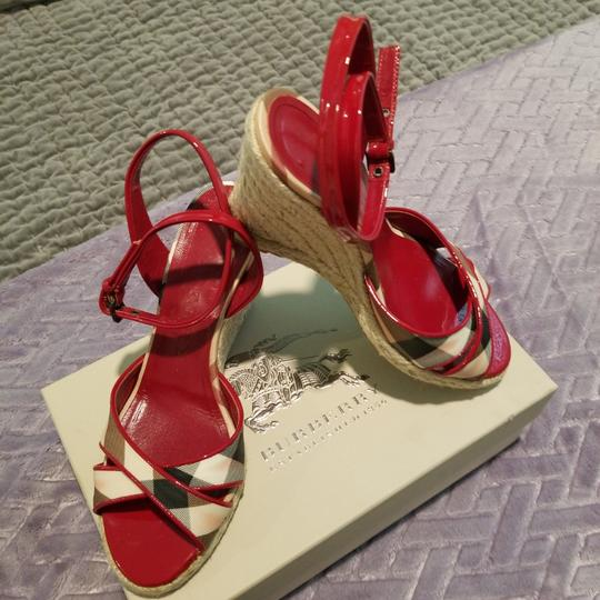 Preload https://item2.tradesy.com/images/burberry-plaid-with-red-patent-trim-sandal-wedges-size-eu-38-approx-us-8-regular-m-b-25965756-0-0.jpg?width=440&height=440