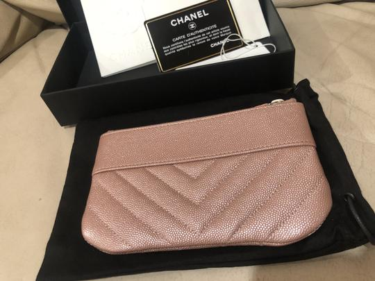 Chanel 19P Chanel Iridescent Rose Gold Grained Lambskin Mini Zip O Case Image 3