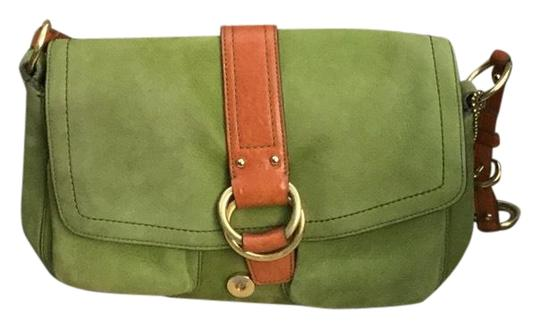 Preload https://img-static.tradesy.com/item/25965909/coach-in-excellent-condition-green-suede-shoulder-bag-0-2-540-540.jpg