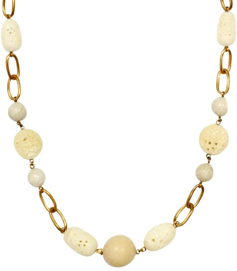 Preload https://img-static.tradesy.com/item/25965930/stephen-dweck-white-agate-and-wood-chain-link-37-necklace-0-4-540-540.jpg