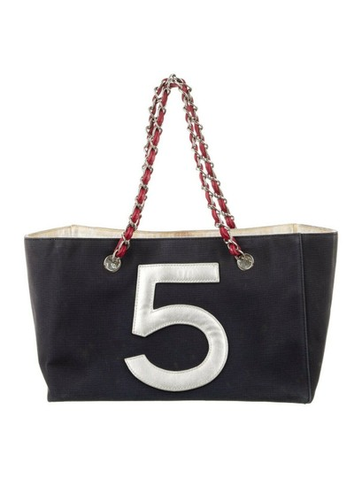 Chanel Cc Logo 5 Shopper Tote in Navy red Image 2