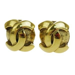 Chanel Authentic CHANEL CC Logo Earrings Clip-On Gold-Tone Accessory Vintage