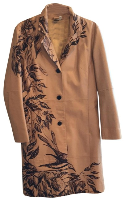 Preload https://img-static.tradesy.com/item/25966235/burberry-tan-hand-painted-leather-coat-size-8-m-0-3-650-650.jpg
