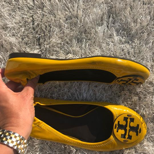 Tory Burch Summer Vacation yellow Flats Image 4
