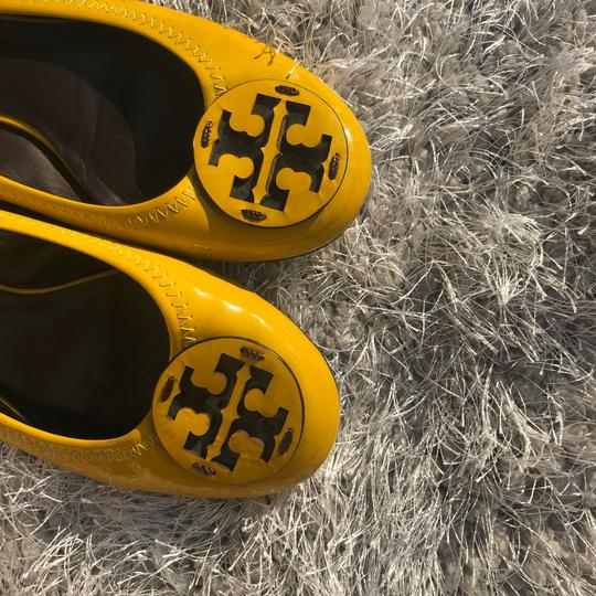 Tory Burch Summer Vacation yellow Flats Image 8