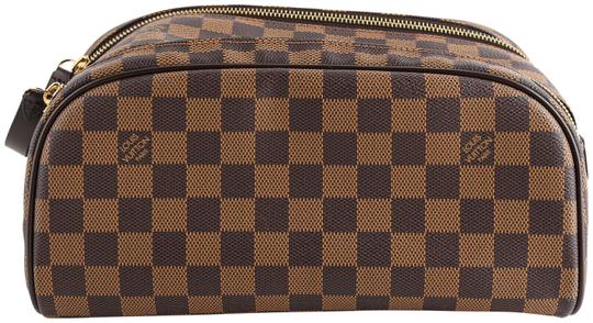 Preload https://img-static.tradesy.com/item/25967562/louis-vuitton-brown-king-size-toiletry-damier-ebene-cosmetic-bag-0-2-540-540.jpg