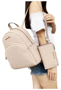 Michael Kors Womens Wristlet Ballet Backpack