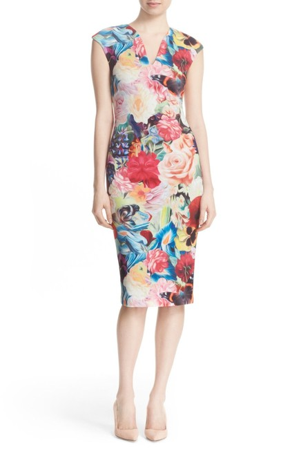 Item - Fuchsia Odeela Floral Print Body-con Mid-length Cocktail Dress Size 8 (M)