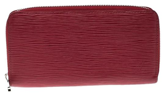 Preload https://img-static.tradesy.com/item/25968891/louis-vuitton-red-zippy-leather-wallet-0-2-540-540.jpg
