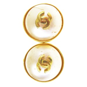 Chanel 1997 made in FRANCE vintage small dainty chanel clip on earrings