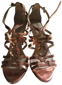 Vera Wang gold/bronze Sandals