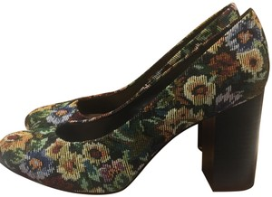Bella Vita Nara Tapestry Slip-on Multi Pumps
