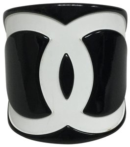 Chanel Black and white resin CC cuff