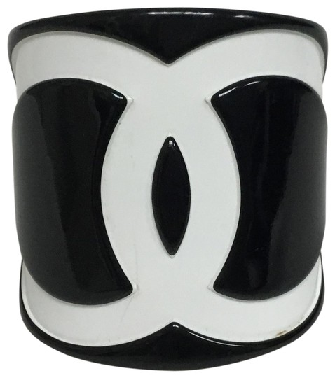 Preload https://item1.tradesy.com/images/chanel-black-and-white-resin-cc-cuff-bracelet-25970865-0-3.jpg?width=440&height=440