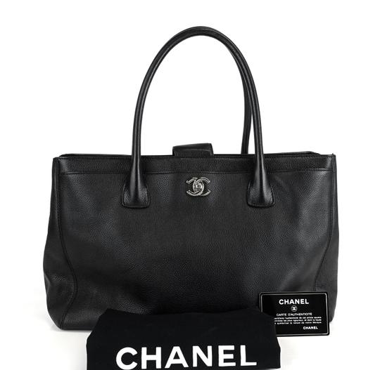Preload https://img-static.tradesy.com/item/25971500/chanel-cerf-xl-executive-caviar-black-leather-tote-0-0-540-540.jpg