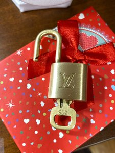 Louis Vuitton Lock and Key #308