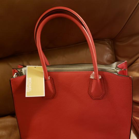 Michael Kors Tote in Bright Red Image 2