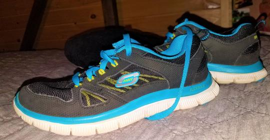 Sketchers Tennis Black/Blue Athletic Image 2