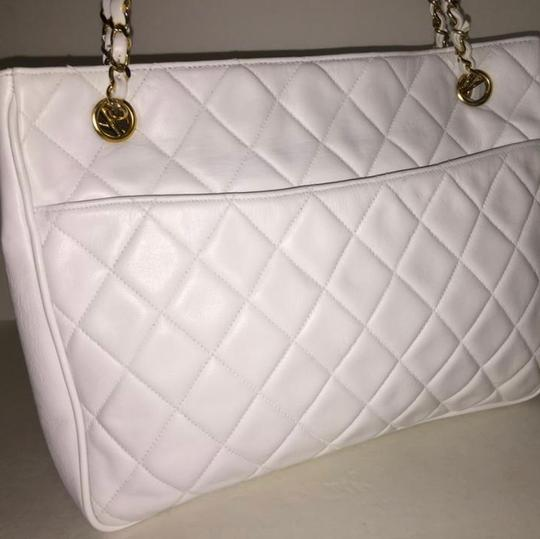 Chanel Tote in White Image 4