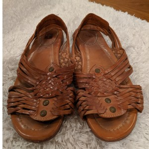 Frye Brown, natural leather Sandals