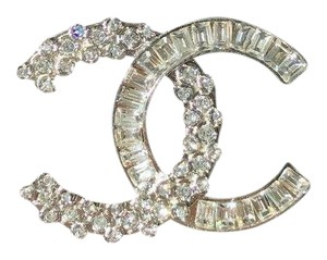 Chanel CHANEL SMALL BAGUETTE CRYSTALS BROOCH SILVER CC LOGO PIN