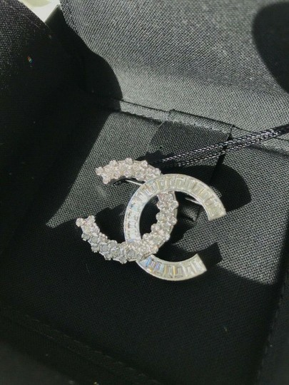 Chanel CHANEL SMALL BAGUETTE CRYSTALS BROOCH SILVER CC LOGO PIN Image 1