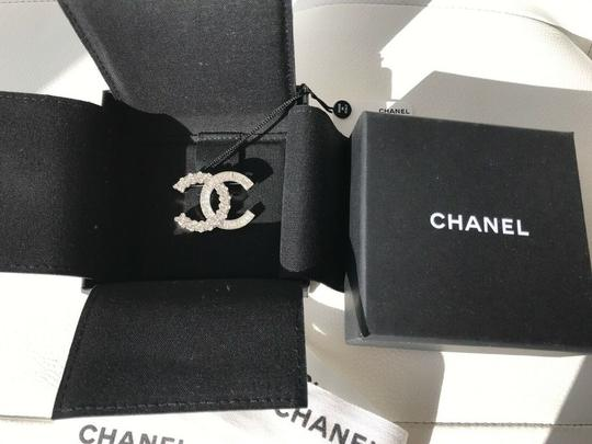 Chanel CHANEL SMALL BAGUETTE CRYSTALS BROOCH SILVER CC LOGO PIN Image 2