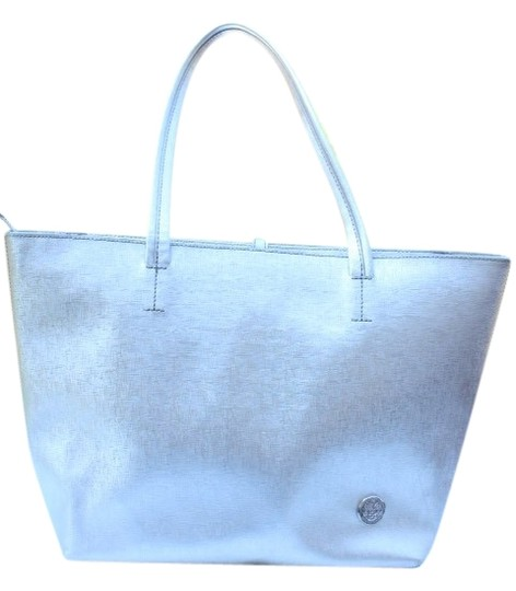 Preload https://img-static.tradesy.com/item/25973737/vince-camuto-silver-leather-tote-0-3-540-540.jpg