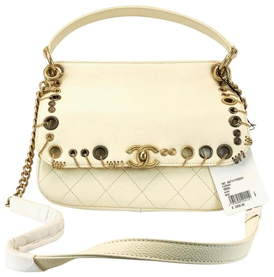 Preload https://img-static.tradesy.com/item/25973759/chanel-crossbody-caviar-with-handle-limited-edition-white-calfskin-leather-messenger-bag-0-3-540-540.jpg
