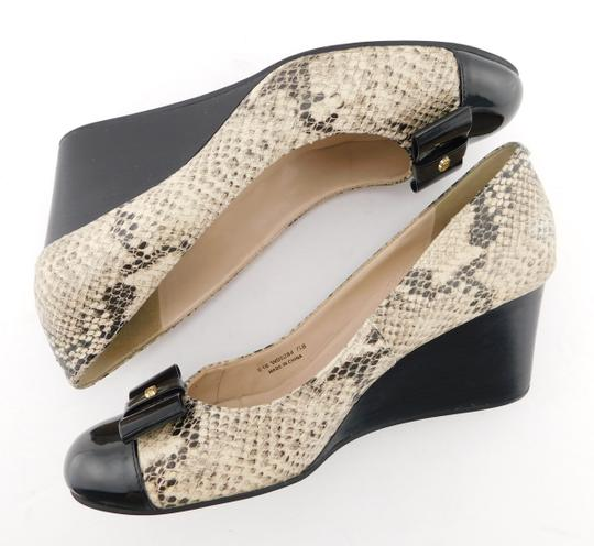 Cole Haan Elsie Pumps Logo Bow Air Round Toe Snake Wedges Image 3