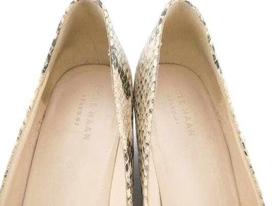 Cole Haan Elsie Pumps Logo Bow Air Round Toe Snake Wedges Image 8