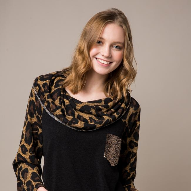 Preload https://item1.tradesy.com/images/knit-leapord-tunic-size-16-xl-plus-0x-25973980-0-0.jpg?width=400&height=650