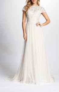 Ti Adora by Alvina Valenta A-line Lace and Tulle Gown Feminine Wedding Dress Size 10 (M)