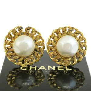 Chanel Gold Imitation Pearl Button Clip-on Gold-tone France Earrings